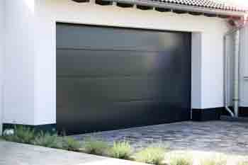 What kind of paint is suitable for the garage door